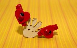 红色瓢虫木头 库存照片
