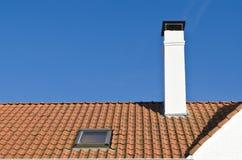 红色瓦片屋顶  免版税库存照片