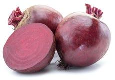 红色甜菜或甜菜根在白色 免版税库存照片