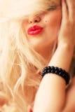 红色白肤金发的嘴唇 免版税图库摄影
