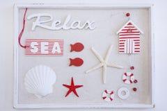 红色白色海静物画箱子 库存图片
