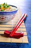 红色的筷子 免版税图库摄影