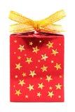 红色礼品与金黄星形的被包裹的存在 库存图片