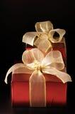 红色箔的礼品 库存图片