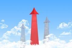 红色箭头向往对天空 免版税图库摄影