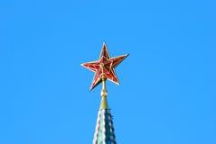 红色红宝石星。克里姆林宫塔。 库存照片