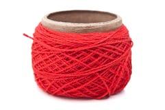 红色纱线丝球  免版税库存照片