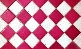 红色老样式正方形瓦片纹理/地板 免版税库存照片