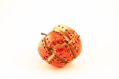 红色腐烂的机械苹果 免版税图库摄影