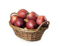 红色苹果篮子  库存照片