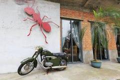 红色蚂蚁题材沙龙在redtory创造性的庭院,广州,瓷里 库存图片