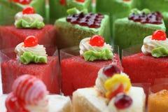 红色蛋糕和红色果冻 库存照片