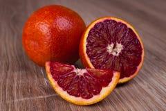 红色血液西西里人橙色整个,一半和wegde 免版税图库摄影