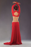 红色衣物的华美的运动的妇女 免版税库存照片