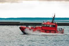 红色试验船 免版税库存照片