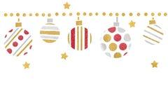 红色金子和银色闪烁圣诞节球纸裁减在白色背景 库存图片