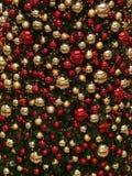 红色金黄的装饰品 免版税图库摄影