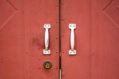 红色铁门 免版税库存图片