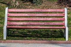 红色长凳 库存图片