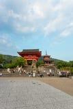 红色门大门Kiyomizudera寺庙Ro星期一 免版税库存照片
