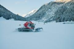 红色除雪机 免版税库存照片