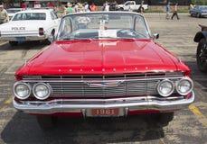 1961红色雪佛兰飞羚 免版税图库摄影