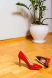 红色鞋子螺柱 免版税图库摄影