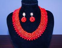 红色项链和耳环小珠10 免版税库存照片