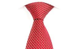 红色领带,被打结双重温莎 免版税库存照片