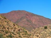 红色高阿特拉斯山脉范围风景在摩洛哥 库存图片