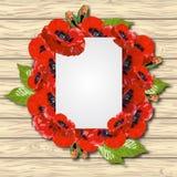 红色鸦片在白色木桌背景开花 库存照片