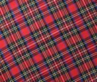红色黑白土气格子花呢披肩织品样片纺织品backgroun 免版税图库摄影