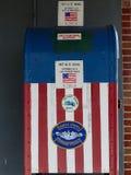 红色,白色和蓝色美国国旗存放处箱子 库存照片