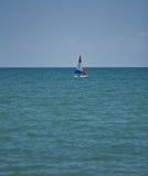 红色,白色和蓝色风船 库存图片