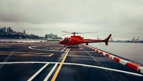 红色直升机 免版税图库摄影