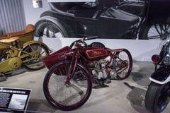 红色1920印地安人Daytona有Flxicar的竟赛者摩托车 库存照片