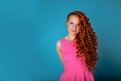 红色头发女孩 库存图片