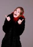 红色围巾的美丽的妇女 库存照片