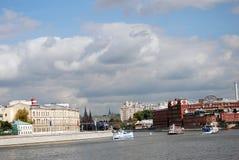 红色10月工厂历史建筑在莫斯科市中心 库存照片