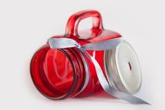 红色玻璃瓶子 免版税图库摄影