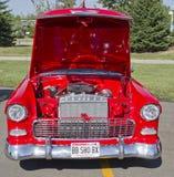 红色&白色1957年Chevy Bel Air引擎 库存照片