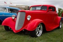 红色1933年福特小轿车 免版税库存照片