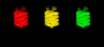 红色绿色黄色CFL电灯泡 库存照片