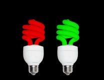 红色绿色CFL电灯泡 库存图片