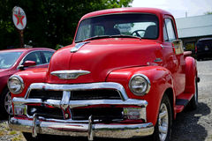 红色1950年薛佛列卡车 库存照片