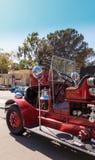 红色1931年Seagrave郊区居民500 GPM消防车消防车 图库摄影