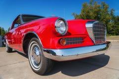 红色1963年Studebaker Gran Turismo 免版税库存照片