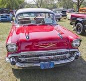 红色1957年Chevy Bel Air正面图 免版税库存照片