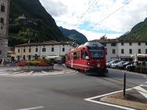 红色Bernina火车 免版税库存照片