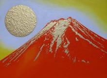 红色Mt 富士和金黄太阳` s日出从吉田市市日本 免版税库存照片